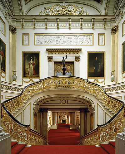 grandstaircase A HOUSE FIT FOR A DUCHESS