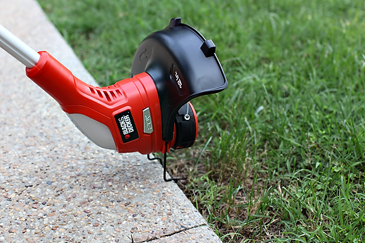 blackanddeckertrimmer2 GIVEAWAY: BLACK & DECKER YARD TOOLS