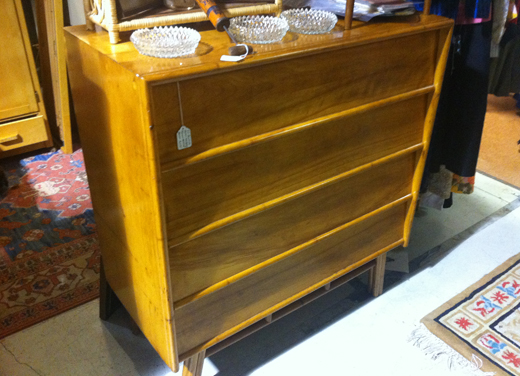 midcenturydresser ON THE HUNT FOR ACCESSORIES