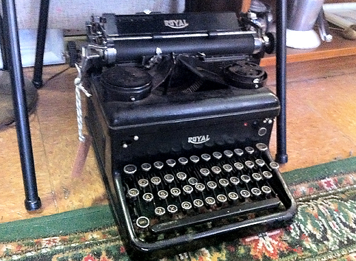 vintagetypwriter ON THE HUNT FOR ACCESSORIES