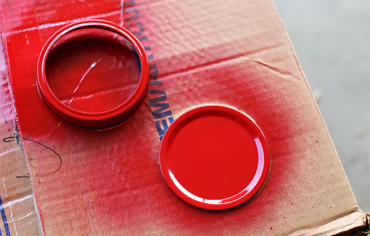 apple red spray paint
