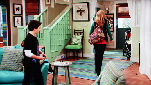 goodluckcharlie livingroom ON THE SET: GOOD LUCK CHARLIE