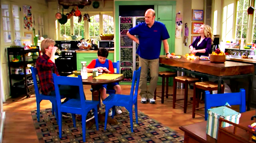 goodluckcharliekitchen2 ON THE SET: GOOD LUCK CHARLIE