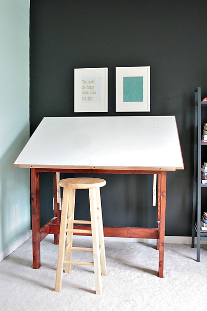 carriedraftingdesk READER RENO: CARRIES GUEST STUDIO