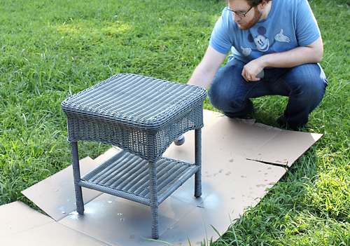 Spray painting outdoor plastic wicker furniture
