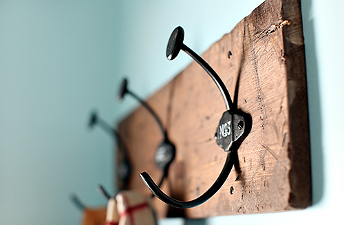 diycoatrack details DIY COAT RACK + LAUNDRY ROOM UPDATE