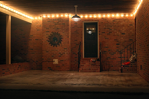 How to Install String Patio Lights / 7th House on the Left