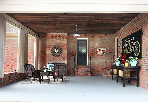 Covered Patio Makeover // 7thhouseontheleft.com