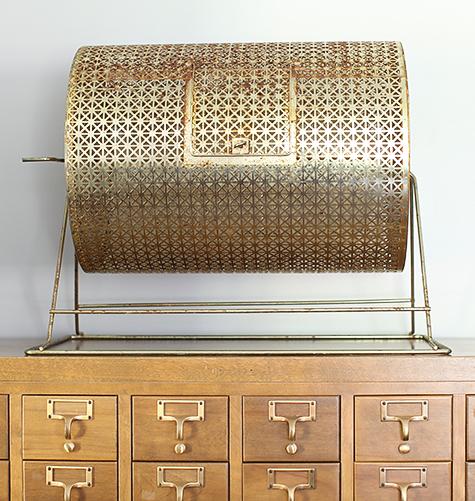 Vintage Gold Bingo Barrel // 7thhosueontheleft.com