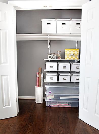 Guest Room Closet Organization / 7thhouseontheleft.com