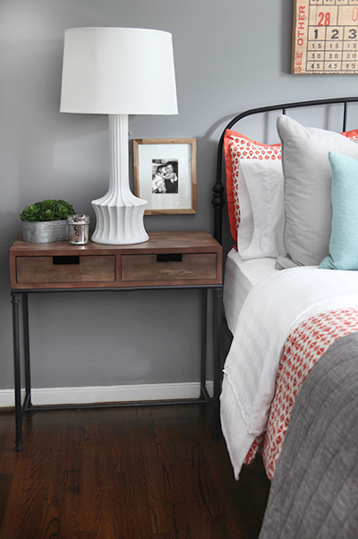 Guest Room Side Table // 7thhouseontheleft.com