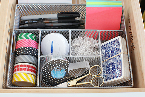 7 Things to Do to Make You Feel More Organized TODAY // 7thhouseontheleft.com