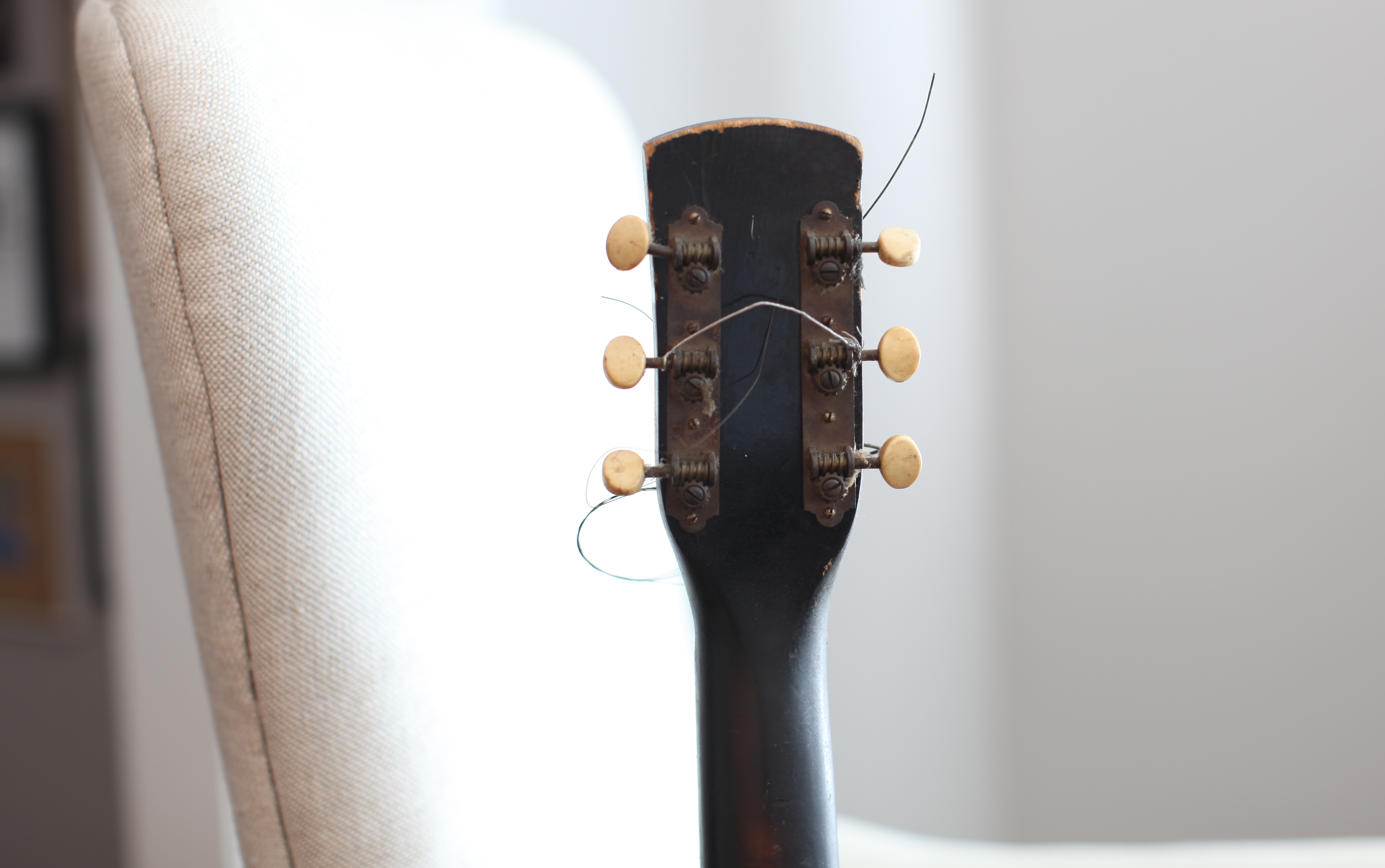 Vintage Guitar Wall Hanging