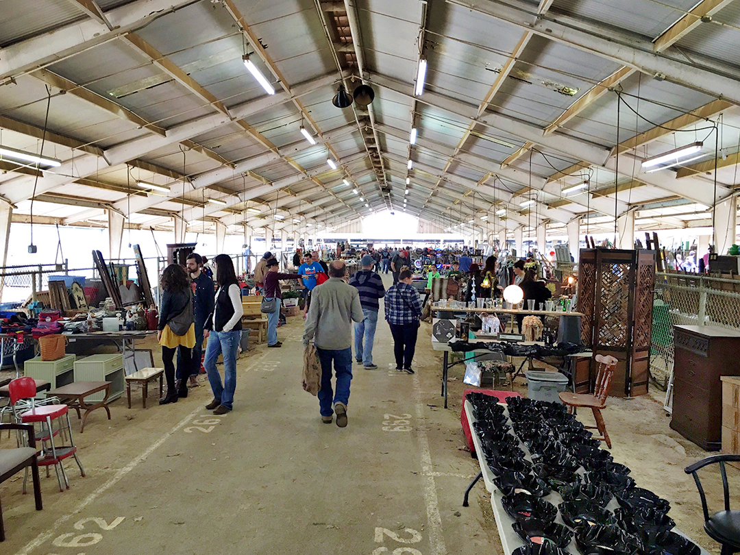 how to plan a flea market